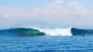 the perfect wave in nusa lembongan surf school
