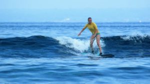 savanna surf lesson in lembongan